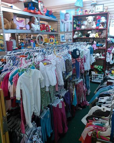 Lot of children's clothing!